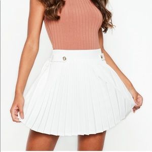 Dresses & Skirts - Missguided NWT pleated white skirt